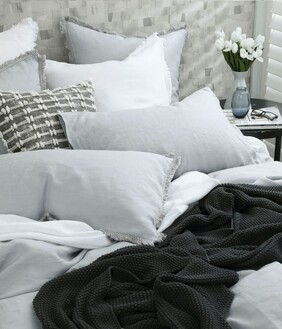 LAUNDERED LINEN DUVET SET PEWTER