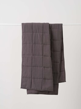 LINEN QUILTED BLANKET - PEPPER